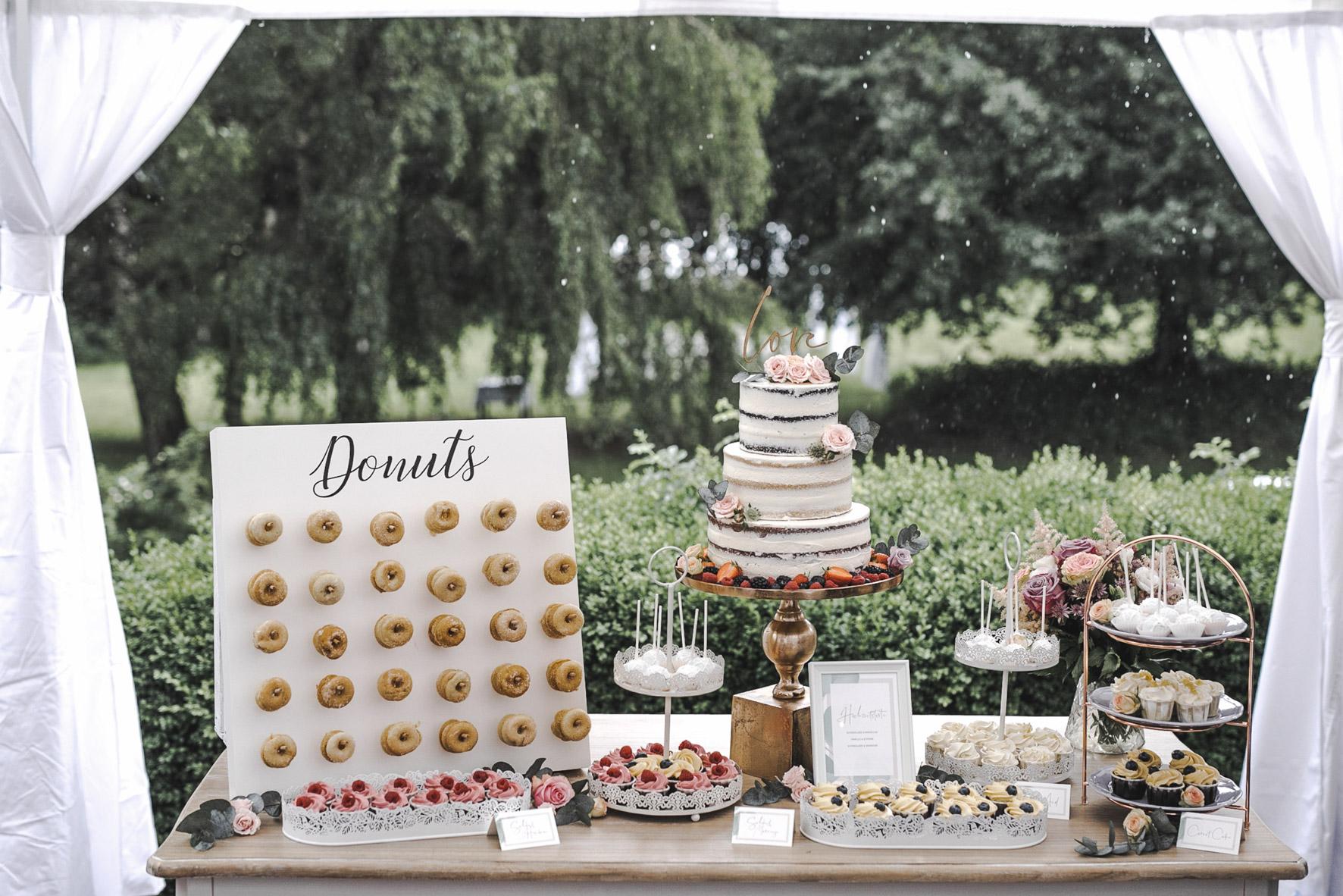 Regen Hochzeit Glanzmomente Sweet Table