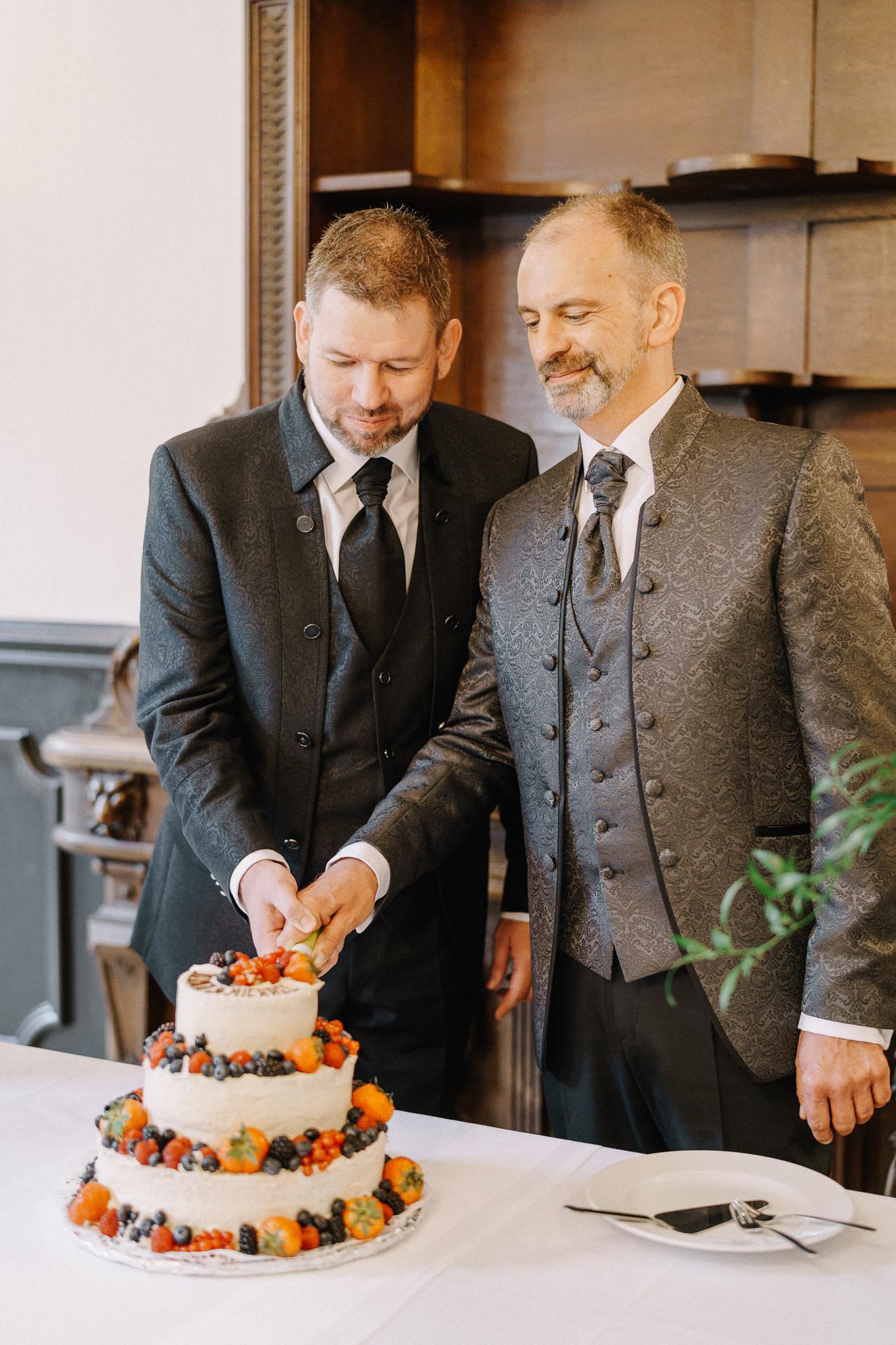 Hochzeitstorte-Glanzmomente