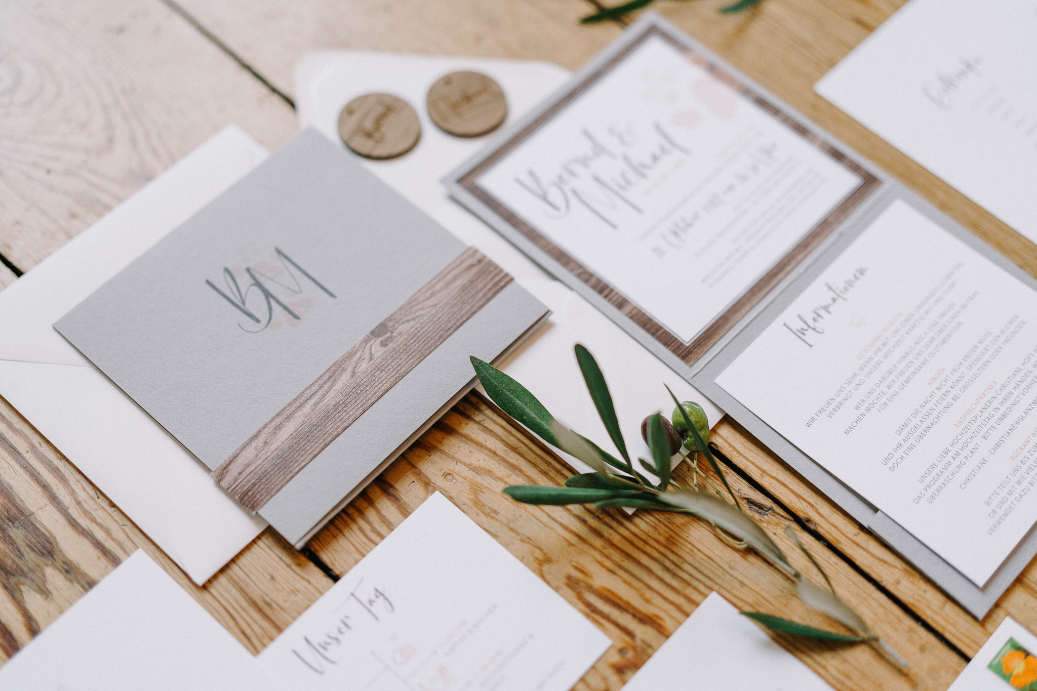 Hochzeitseinladungen-Glanzmomente