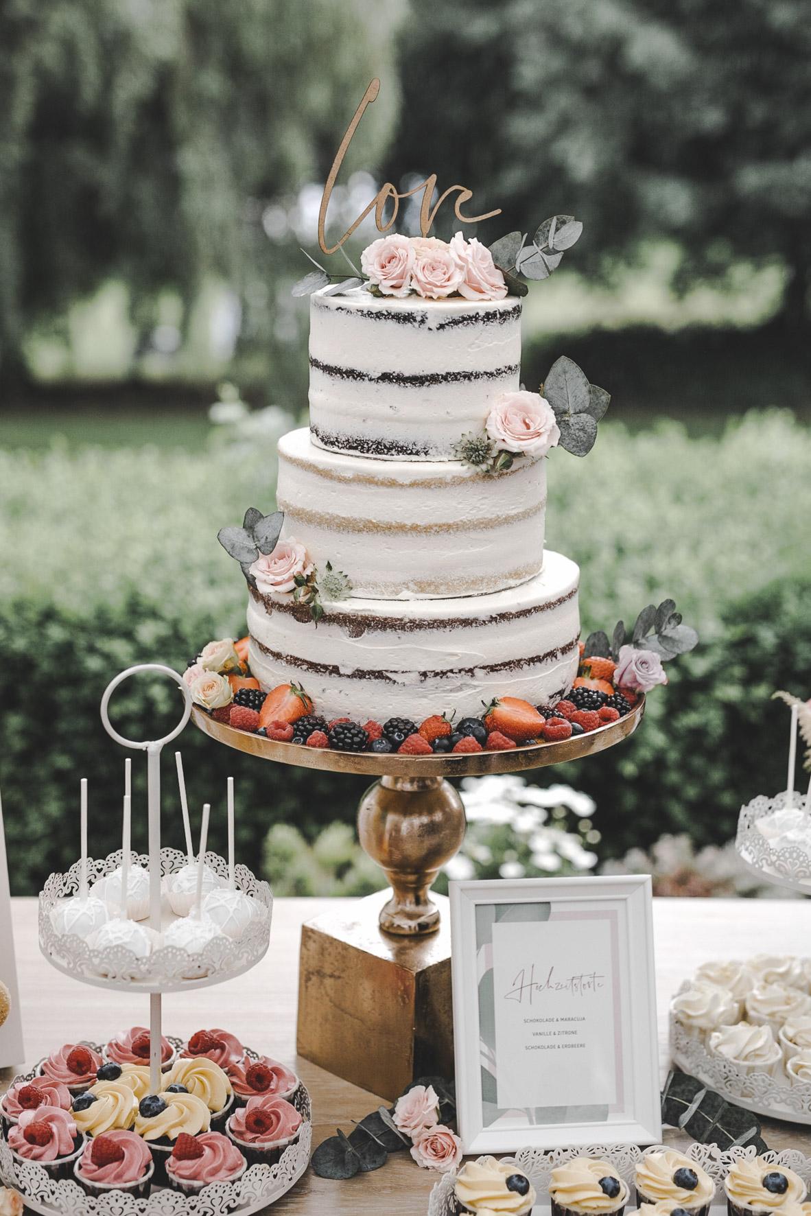 Hochzeitstorte Glanzmomente